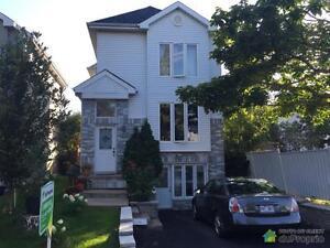 323 999$ - Maison 2 étages à vendre à Chomedey