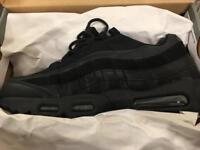 Nike Air Max 95's All black red tick