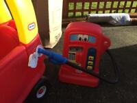 Little Times Car and Petrol Pump