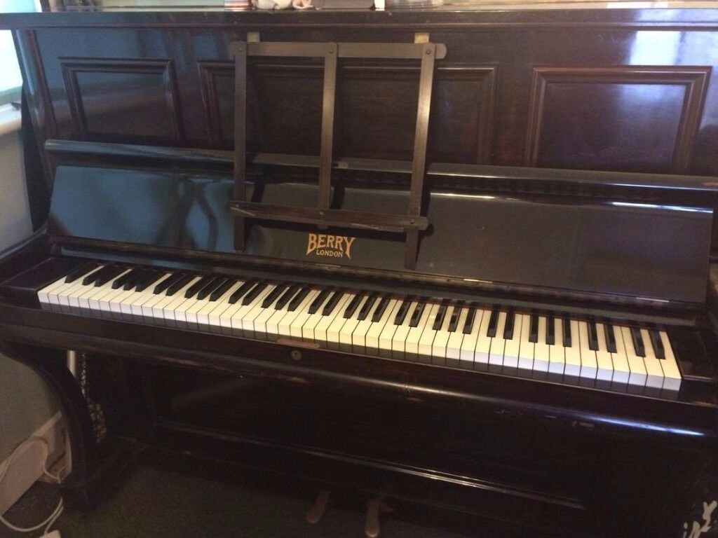 Antique upright piano 39 berry london 39 in saffron walden for Yamaha clavinova clp 535 for sale