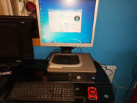 Full Computer PC desktop fast dell & hp 19 inch flat screen monitor with windows & office tools