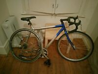 "Mens racing / road bike 22"" frame, needs some work"