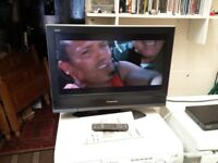 panasonic 26 inch hd tv with built in freeview, remote and manual (1)