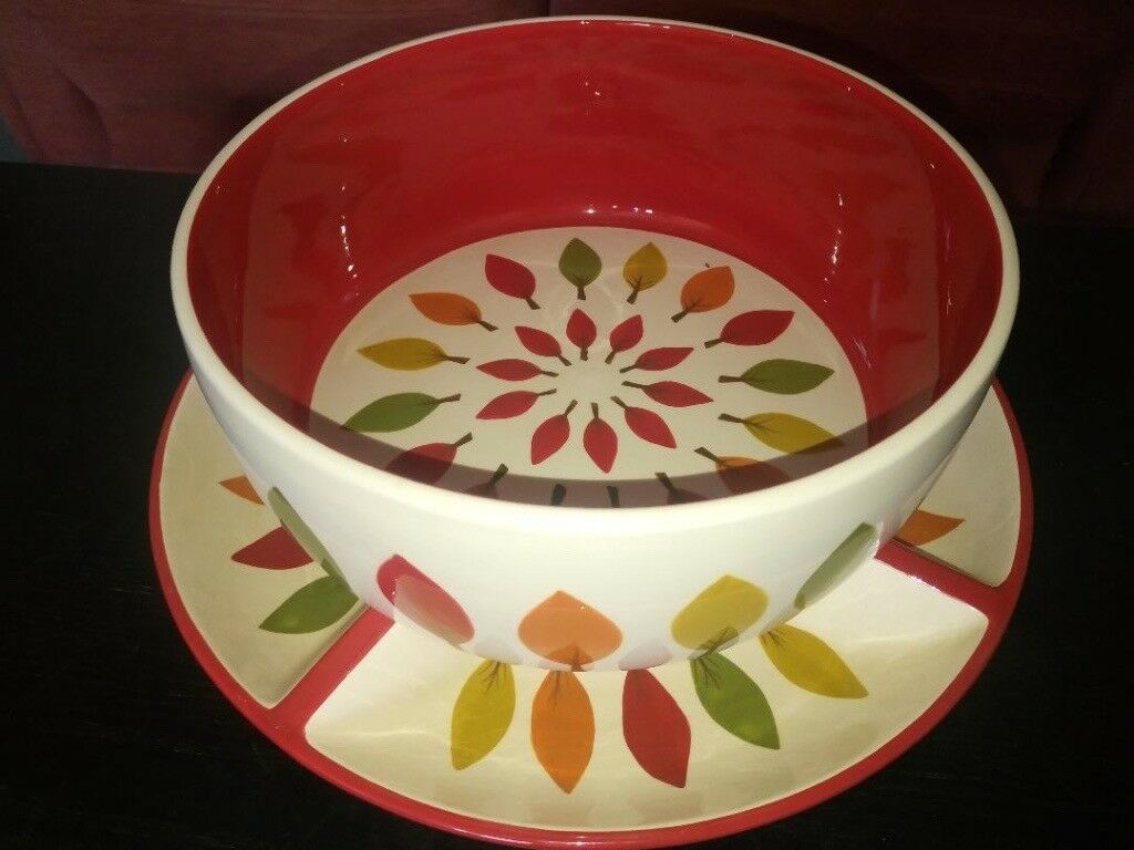 Snack bowl and tray set - Beautiful design. NEVER USED