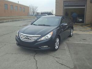 2011 Hyundai Sonata Limited Accident free. Leather,sunroof