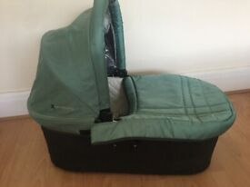 Uppababy Bassinet and Rocker Stand