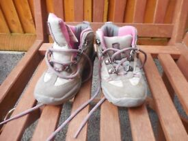 Girls boots size 8 and 8 1/2