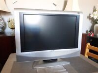 """19"""" TV/Monitor with multi connections."""