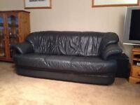 Natuzzi Italian leather three seater settee, in great condition