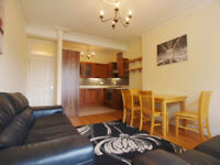 A 3 double bedroom flat located minutes from StroudGreen/approx 10 minutes walk to FinsburyParkTube