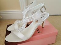 Beautiful White Satin Diamante Sandals - Wedding - Bride/Bridesmaid - New - Size 5