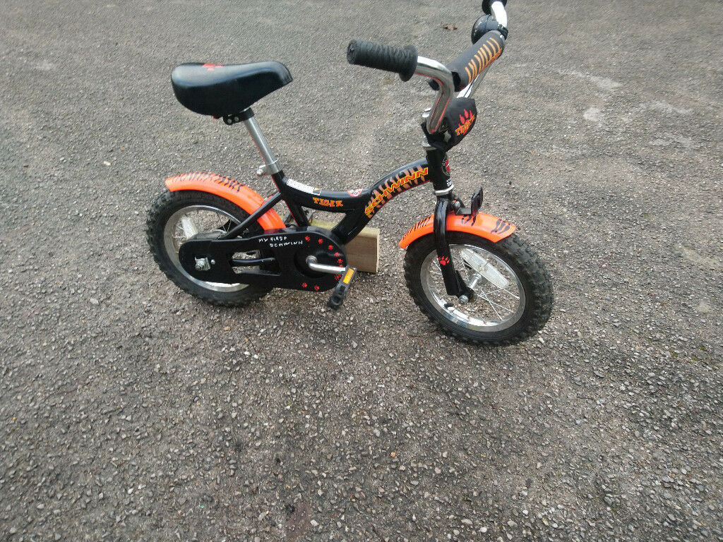 5c0da8d4aff Schwinn Tiger - Kids Bike | in Ashtead, Surrey | Gumtree
