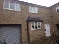 3 Bedroom Flat, 571 Huddersfield Road, BD12