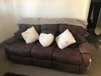 3 seater sofa, very good condition Pick up only.