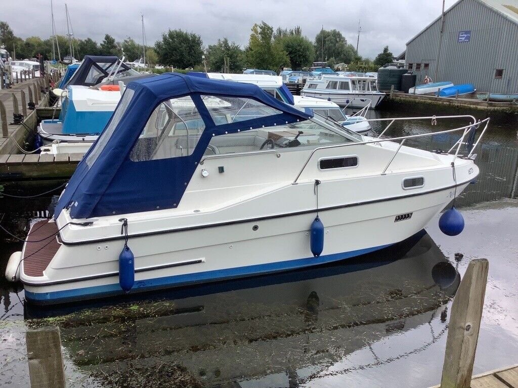 Bounty/Capriole/Shadow 24 river boat  Diesel engine  4 berths  New canopy  and fridge  | in Brundall, Norfolk | Gumtree