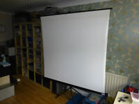 Tripod mounted 1.5mtr reversible White/Silver Projector Screen