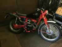 Honda CD185T