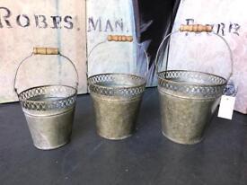 New Vintage Style Set of 3 Grey Metal Garden Buckets / Planters