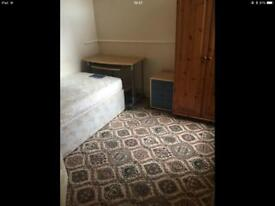 Single room available to rent in southsea