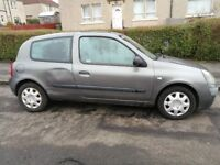 Renault Clio / 1.2l / 16V / Manual / Grey / 80k Miles / Ideal first car / Significant dent