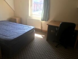Room to rent Bristol Road Northfield ***Available Immediately ***