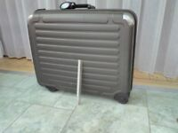 Large Travel Suitcase for holidays