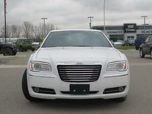 2014 Chrysler 300C AWD! V8! Leather! Sunroof! Luxury! London Ontario image 2
