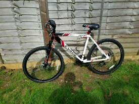 Apollo evade mountain bike
