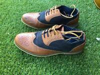 Men's size 8 smart shoes
