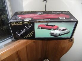 Friction TOY CAR - Convertible Voiture Standard Red Sedan