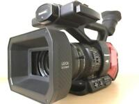 113hrs Panasonic AG-DVX200 4K broadcast camcorder 3 batteries duel charger