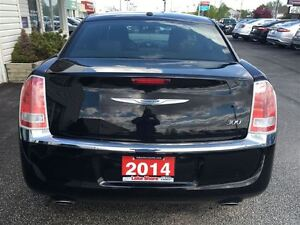2014 Chrysler 300 Touring VOICE COMMAND HEATED MIRRORS ALLOY WHE Windsor Region Ontario image 7