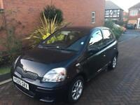 Toyota Yaris 1.3 Colour Collection Black