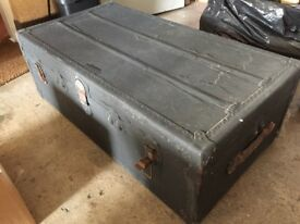 Antique luggage steamer trunk / Coffee Table