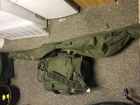 Fox FX 5 rod slew and Med carryall bag.