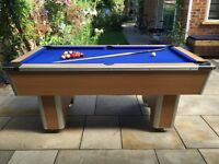 EXCELLENT CONDITION POOL TABLE / 6FT X 3 FT / SLATE BED / BALLS AND CUE INCLUDED