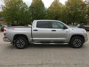2015 Toyota Tundra 4x4 CrewMax SR5 5.7 6A London Ontario image 7