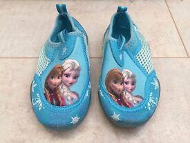 Frozen Aqua / Swim gel shoes - size C8 (25.5)