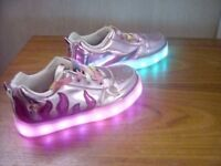 LOVELY, BRIGHT & SPARKLY, GIRLS RECHARGEABLE LIGHT UP TRAINERS & USB **FREE DELIVERY WITHIN HULL**