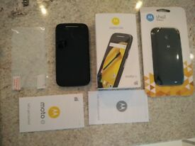 £40 ONO unlocked Motorola Moto E 2nd generation XT1524 Black bundle