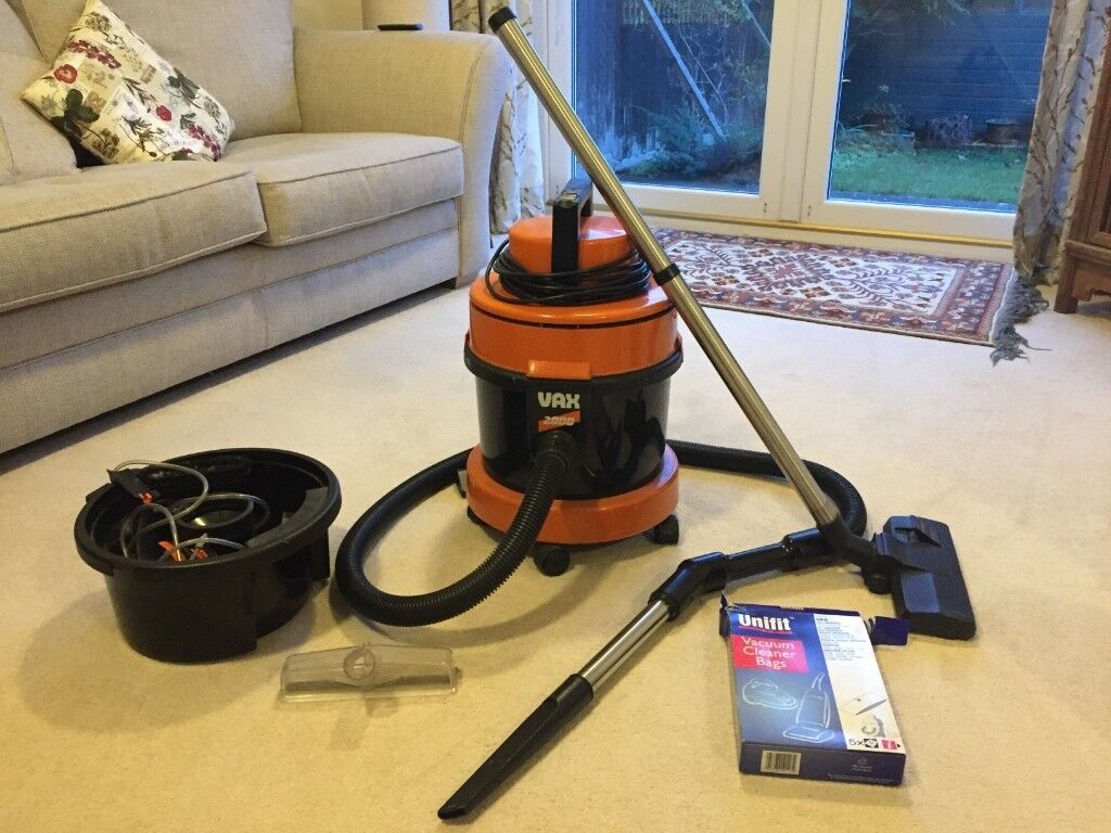 Vax 2000 Vacuum Cleaner And Carpet Washer In Bradford On