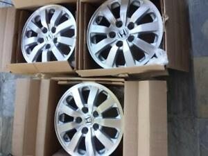 PICKUP FROM BRAMPTONTHREE RIMS ONLY . NOT FOUR.   $ 220 EACH  BRAND NEW HONDA ODYSSEY FACTORY OEM 16 INCH ALLOY WHEELS.