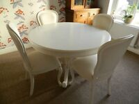 Lovely shabby chic dining table with 4 matching chairs