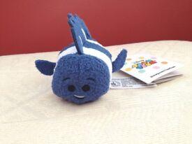 Disney Finding Nemo FLO Fish Tsum Tsum Plush New with Tags.