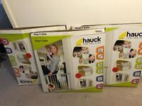 Baby safety gates x3 box opened but never use