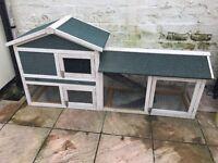 Large hutch -removable base
