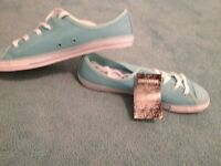 Women's converse trainers size 6 brand new