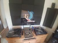 2X Techics 1210'2 MK 2 mint condition. Vestax PCV-275 3-channel DJ Mixer & Serato SL3 Scratch Blue