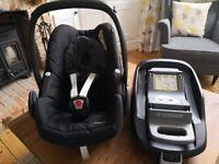 Maxi Cosi Pebble Car Seat and FamilyFix Isofix Base