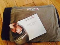 Baby sling- Je Porte mon Bebe. Never used so in beautiful condition. Colour charcoal and olive.
